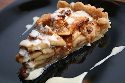 apple_tart_with_cream_anglaise